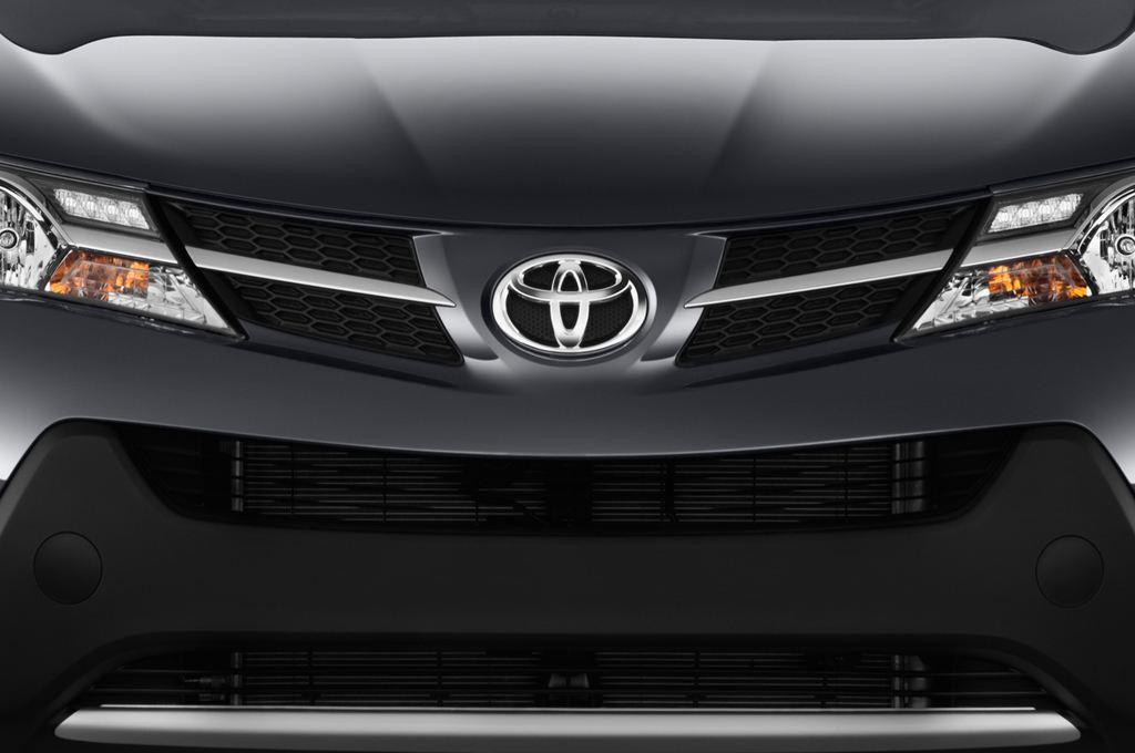 Toyota RAV 4 START-Edition SUV (2013 - heute) 5 Türen Kühlergrill und Scheinwerfer