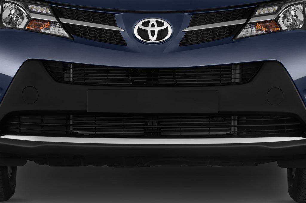 Toyota RAV 4 Comfort SUV (2013 - heute) 5 Türen Kühlergrill und Scheinwerfer