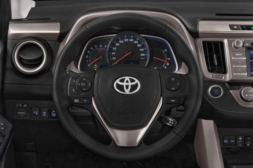 Toyota RAV 4 Comfort SUV (2013 - heute) 5 Türen Lenkrad