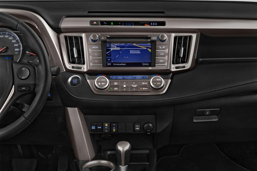 Toyota RAV 4 Comfort SUV (2013 - heute) 5 Türen Mittelkonsole