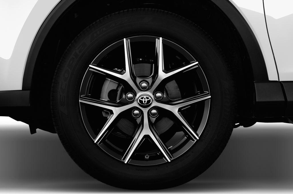 Toyota RAV 4 Edition SUV (2013 - heute) 5 Türen Reifen und Felge
