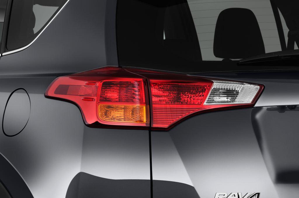 Toyota RAV 4 START-Edition SUV (2013 - heute) 5 Türen Rücklicht