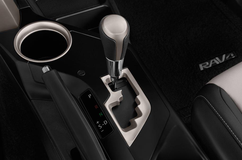 Toyota RAV 4 START-Edition SUV (2013 - heute) 5 Türen Schalthebel