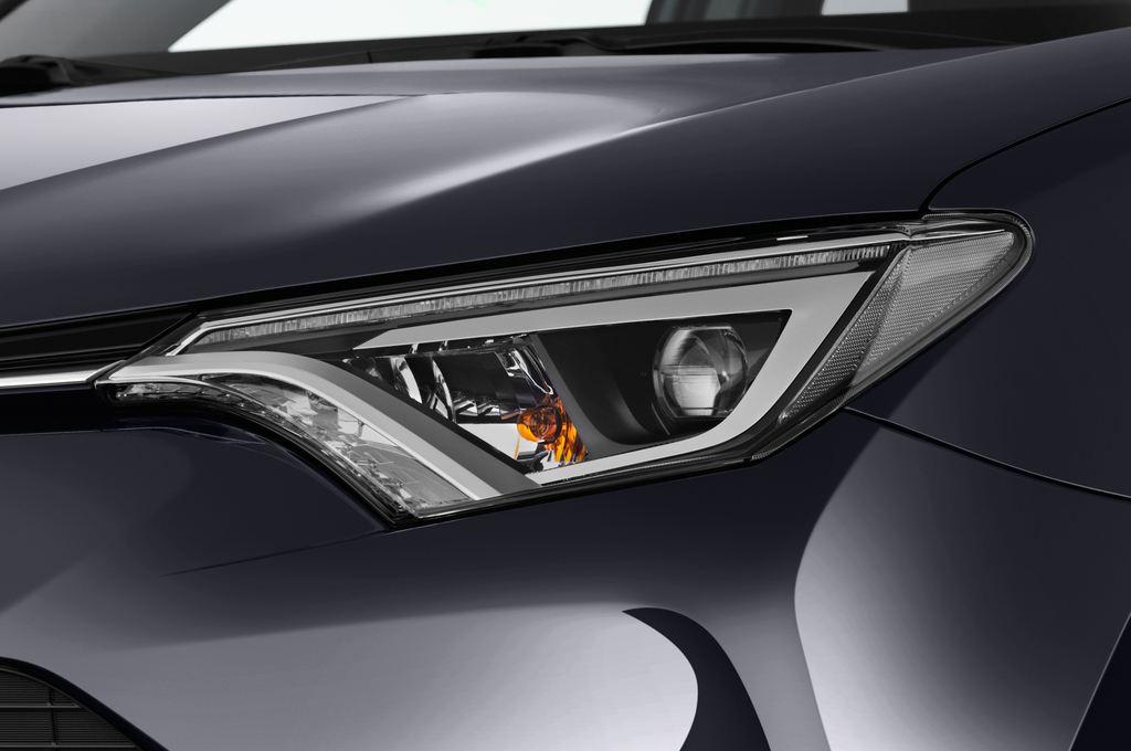 Toyota RAV 4 Executive SUV (2013 - heute) 5 Türen Scheinwerfer