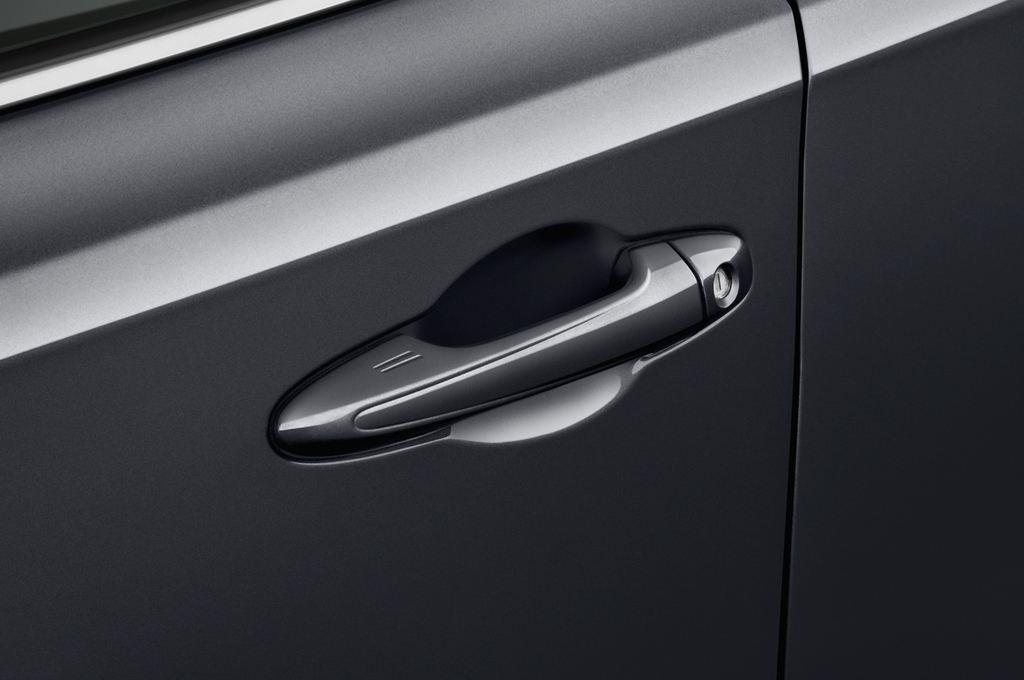 Toyota RAV 4 START-Edition SUV (2013 - heute) 5 Türen Türgriff