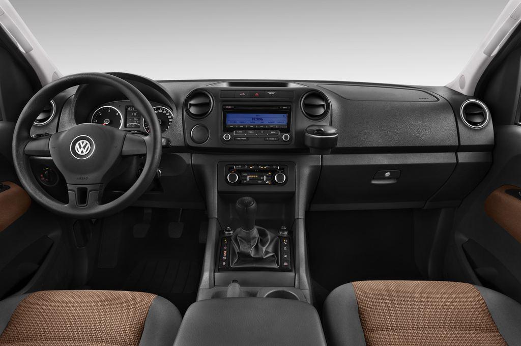 VW Amarok Trendline Pritsche (2010 - heute) 4 Türen Cockpit und Innenraum