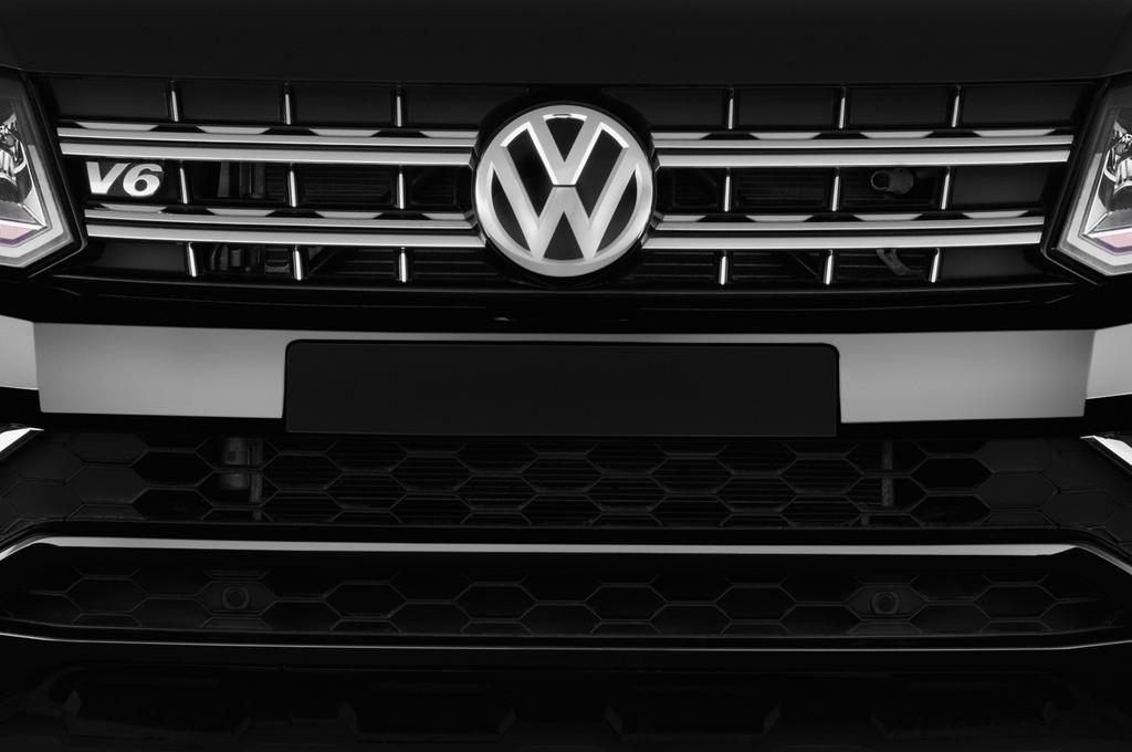 VW Amarok Aventura Pritsche (2010 - heute) 4 Türen Kühlergrill und Scheinwerfer