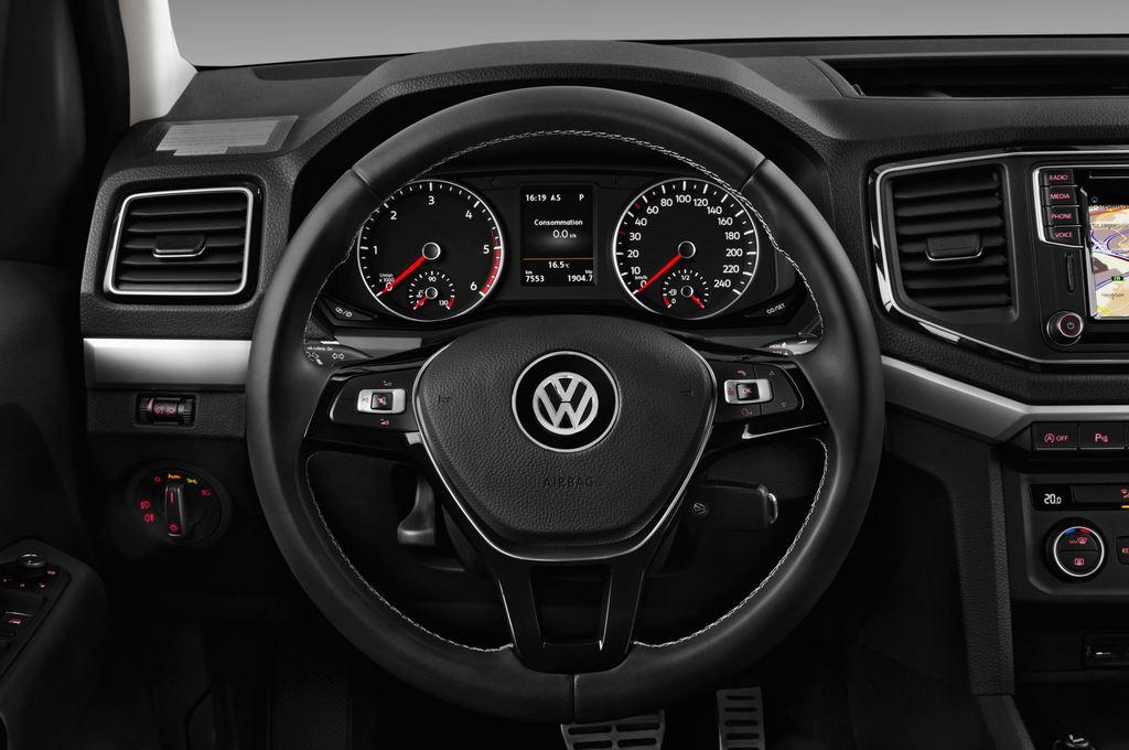 VW Amarok Aventura Pritsche (2010 - heute) 4 Türen Lenkrad