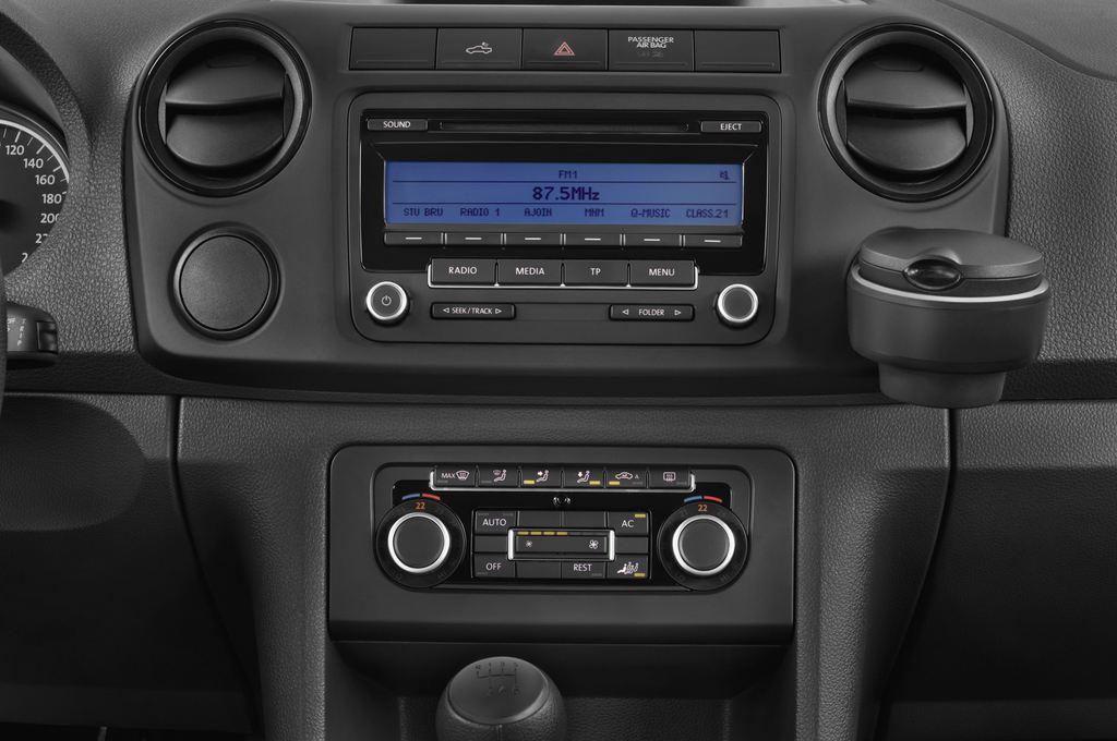 VW Amarok Trendline Pritsche (2010 - heute) 4 Türen Mittelkonsole