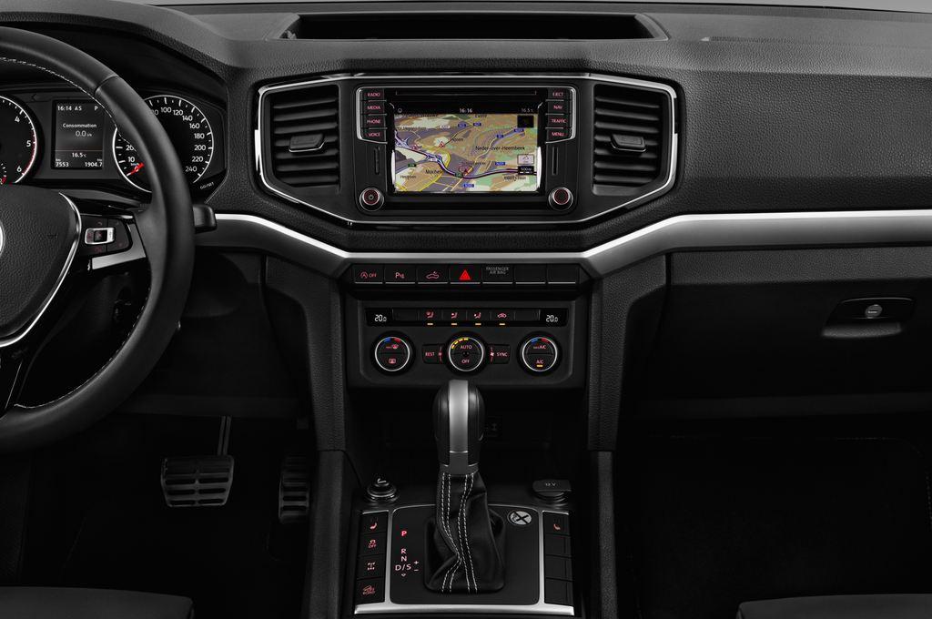 VW Amarok Aventura Pritsche (2010 - heute) 4 Türen Mittelkonsole