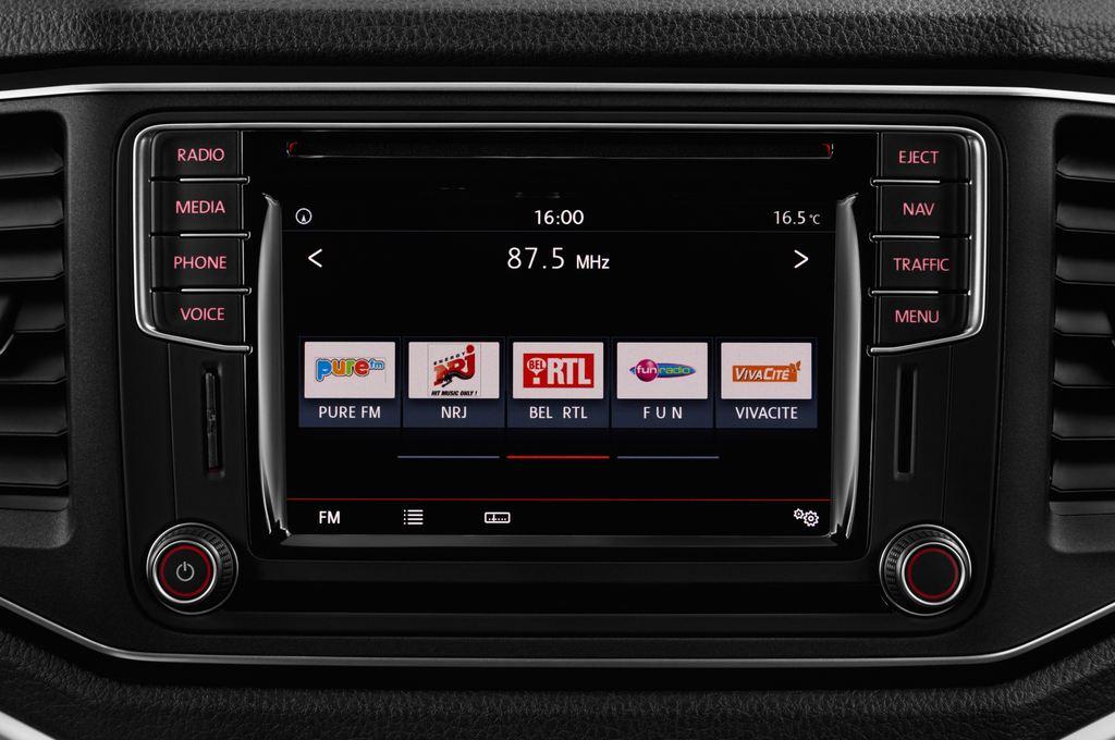 VW Amarok Aventura Pritsche (2010 - heute) 4 Türen Radio und Infotainmentsystem
