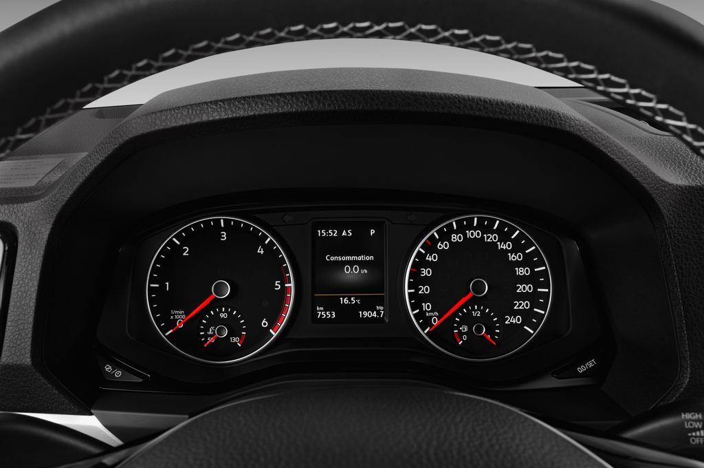 VW Amarok Aventura Pritsche (2010 - heute) 4 Türen Tacho und Fahrerinstrumente