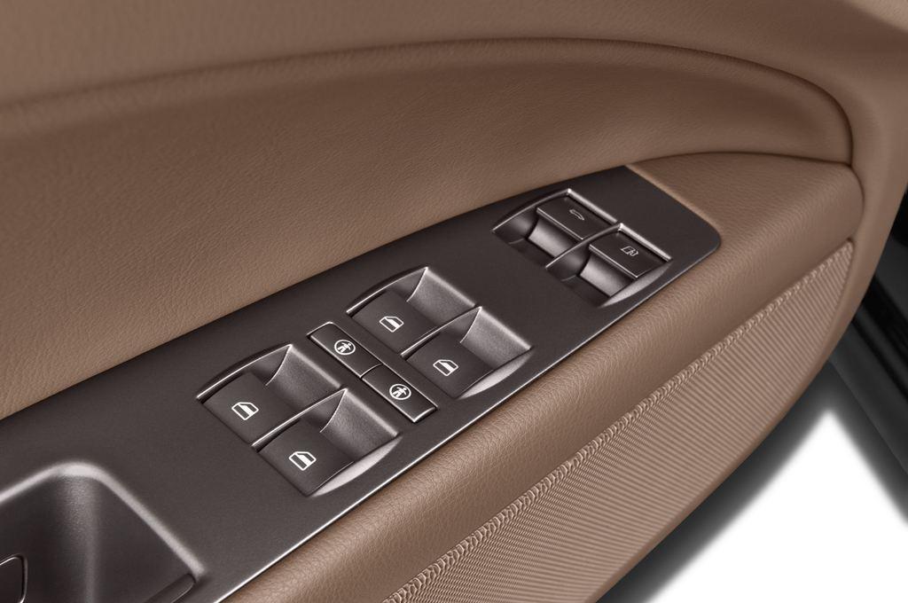 VW Phaeton - Limousine (2002 - 2016) 4 Türen Bedienungselemente Tür