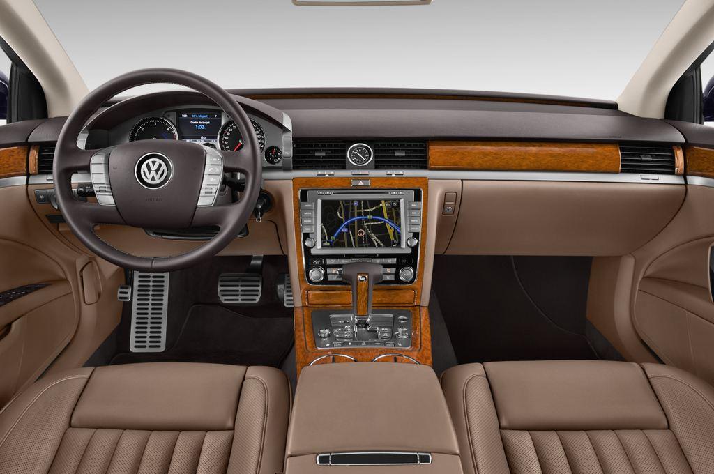 VW Phaeton V6 Limousine (2002 - 2016) 4 Türen Cockpit und Innenraum