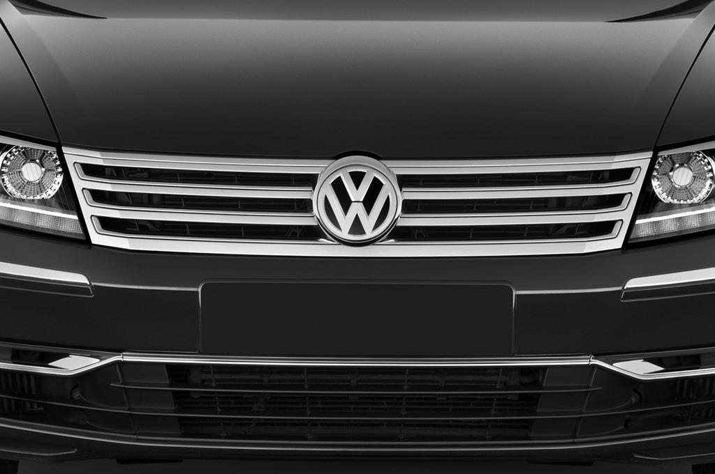 VW Phaeton - Limousine (2002 - 2016) 4 Türen Kühlergrill und Scheinwerfer