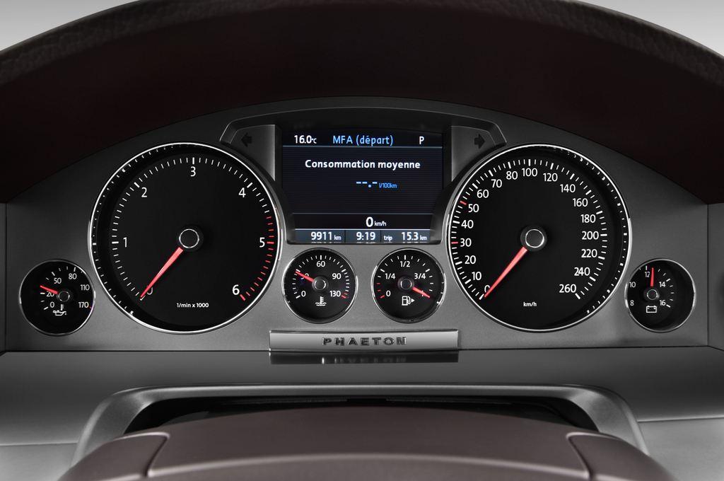 VW Phaeton - Limousine (2002 - 2016) 4 Türen Tacho und Fahrerinstrumente