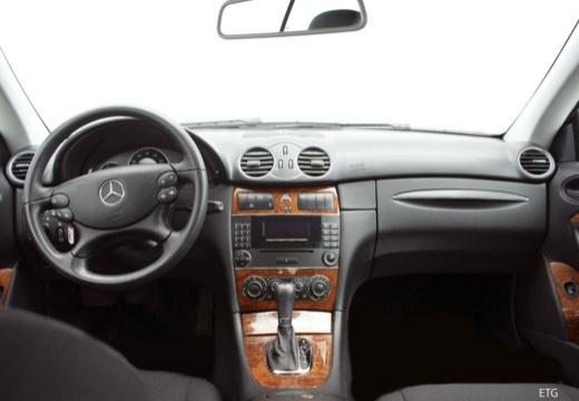 Mercedes-Benz CLK Coupe 200 Kompressor Automatik (2006-2009) Armaturenbrett