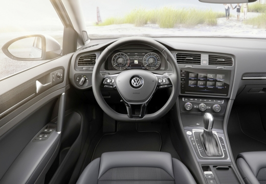 VW Golf Variant GTD BlueMotion Technology (2017-2017) Armaturenbrett