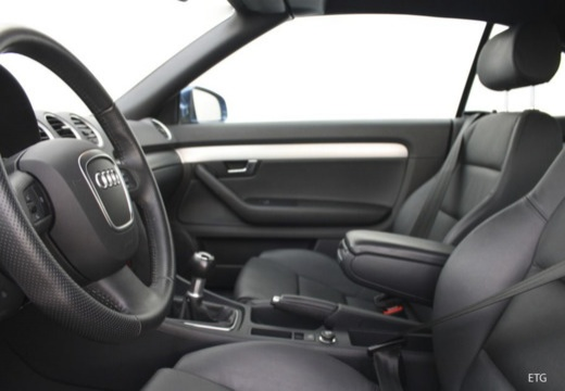 Audi A4 Cabriolet 3.2 FSI quattro (2005-2008) Innenraum