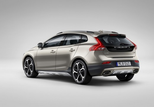 volvo v 40 cross country tests erfahrungen. Black Bedroom Furniture Sets. Home Design Ideas
