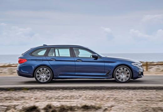 BMW 540i xDrive Touring Aut. (seit 2017) Seite rechts