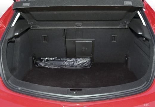 Opel Astra GTC 1.4 Turbo (2017-2017) Laderaum