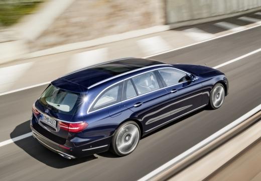 Mercedes-Benz E 220 d T 9G-TRONIC (seit 2016) Aufsicht Heck