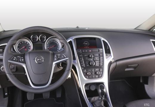 Opel Astra GTC 1.4 Turbo (2017-2017) Armaturenbrett