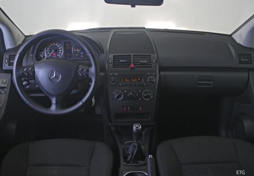 Mercedes-Benz A 170 (2008-2009) Armaturenbrett