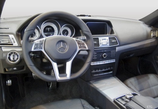 Mercedes-Benz E 250 Coupe 7G-TRONIC (2015-2015) Armaturenbrett