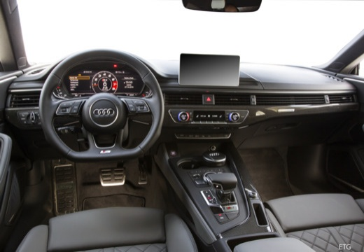 Audi A5 Coupe 2.0 TFSI S tronic (2016-2017) Armaturenbrett