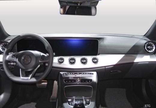 Mercedes-Benz E 200 Coupe (seit 2017) Armaturenbrett