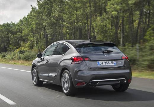 Citroen DS4 BlueHDi 120 S&S EAT6 (seit 2015) Heck + links