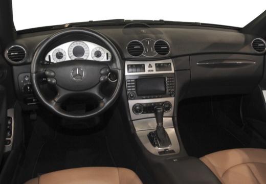 Mercedes-Benz CLK Cabrio 500 7G-TRONIC (2006-2009) Armaturenbrett