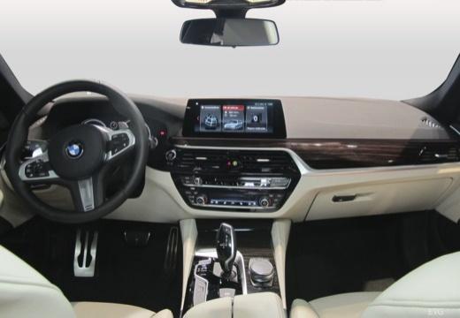 BMW 520d Touring Aut. (seit 2017) Armaturenbrett