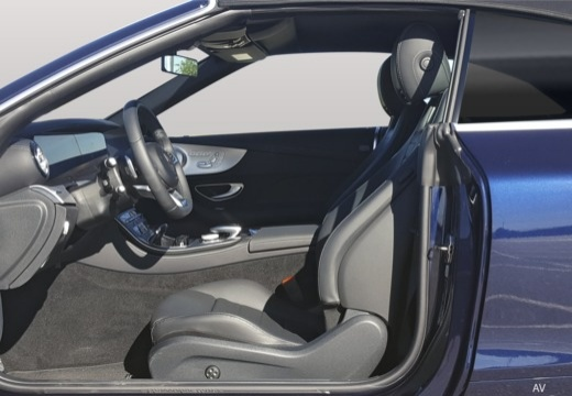 Mercedes-Benz E 400 4Matic Cabrio 9G-TRONIC (seit 2017) Innenraum