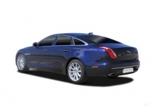 Jaguar XJ 3.0 V6 Kompressor AWD (seit 2015) Heck + links