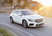 Mercedes-Benz AMG GLA 45 4Matic AMG Speedshift 7G-DCT (seit 2017) Front + rechts