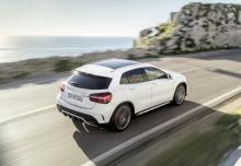 Mercedes-Benz AMG GLA 45 4Matic AMG Speedshift 7G-DCT (seit 2017) Heck + rechts