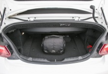 BMW 220i Cabrio Sport-Aut. (2016-2017) Laderaum