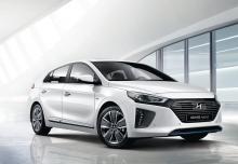 Hyundai IONIQ Hybrid 1.6 GDI (seit 2016) Front + rechts