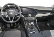 Alfa Romeo Giulia 2.0 Turbo 16V AT8 (2016-2016) Armaturenbrett