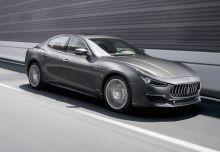 Maserati Ghibli (seit 2017) Front + rechts