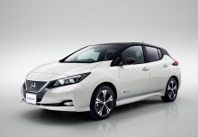 Nissan Leaf 40 kWh (seit 2017) Front + links