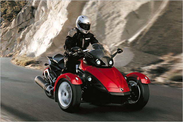 bilder motorrad mit drei r dern der brp can am spyder roadster. Black Bedroom Furniture Sets. Home Design Ideas