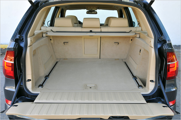 bilder auf neuestem stand bmw x5 im test. Black Bedroom Furniture Sets. Home Design Ideas