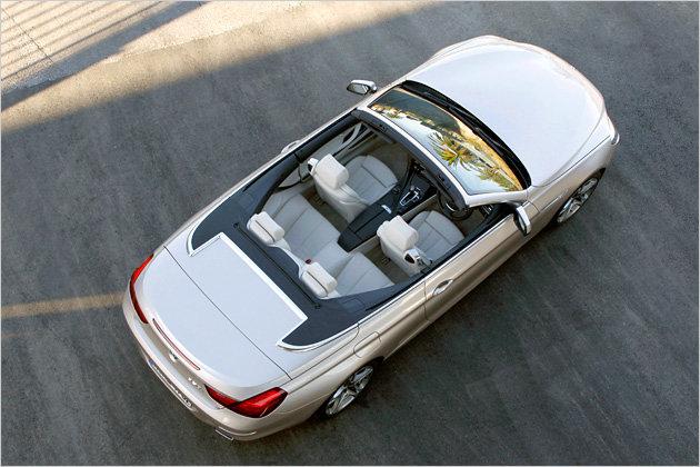 Das 650i Cabrio gilt zwar als 2+2-Sitzer, aber auch hinten können Erwachsene sitzen
