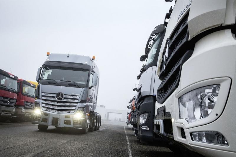Mercedes-Benz Custom Tailored Trucks - Tonnenschwerer Maßanzug