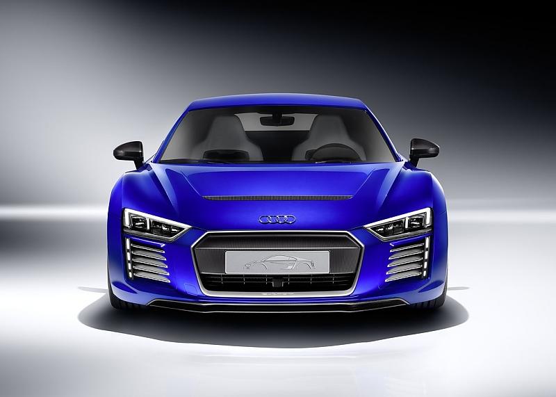 Zukunftsweisende Technik beim Audi R8 e-tron - Innere Werte