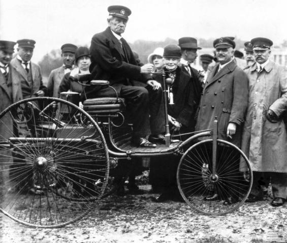 Automobile Jubiläen 2021 - Herkunft macht Freude auf Zukunft